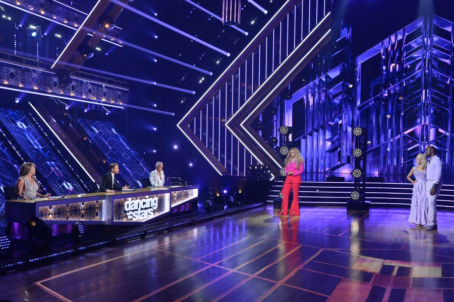 Dancing With The Stars Season 29 Spoilers: Carrie Ann Inaba Clarifies Lift Rule Comment