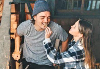 Bachelor In Paradise Star Caelynn Dumps Dean On His Birthday