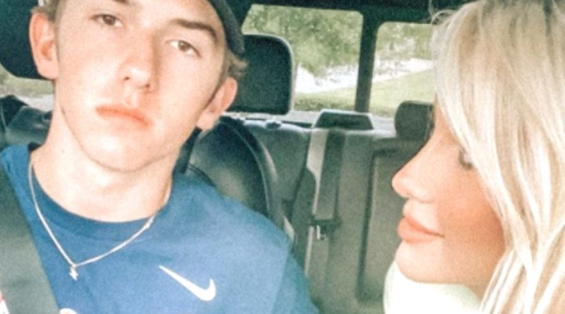Chrisley Knows Best Grayson Chrisley Drives Savannah To The Shops In A Truck