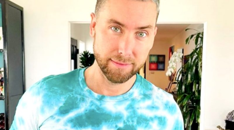 Bachelor in Paradise: Who is Host Lance Bass?