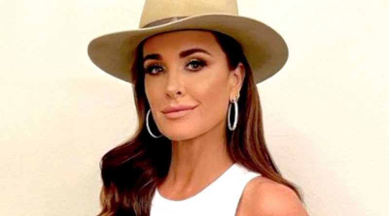 """The Real Housewives Ultimate Girls Trip Spoilers: Kyle Richards Dethroned as """"Queen"""""""